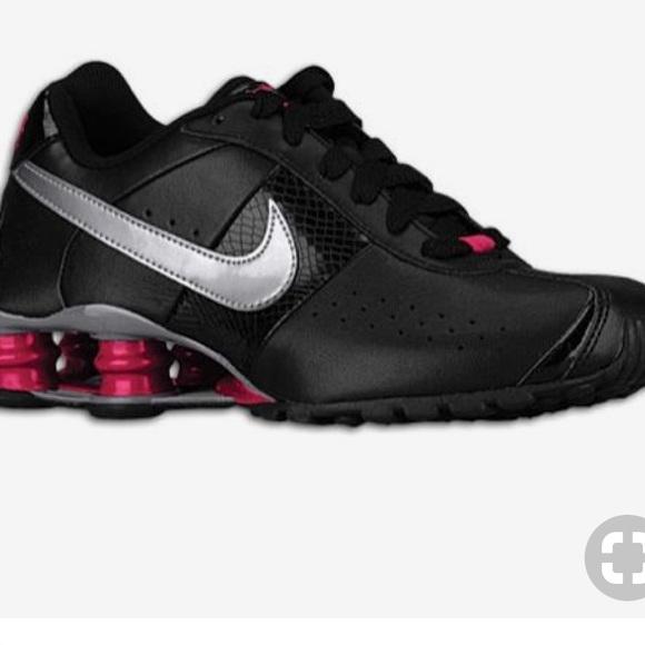 de84291b513d ... Nike Shox Classic II Black Pink. M 5af32ba484b5cebf5b9845a2